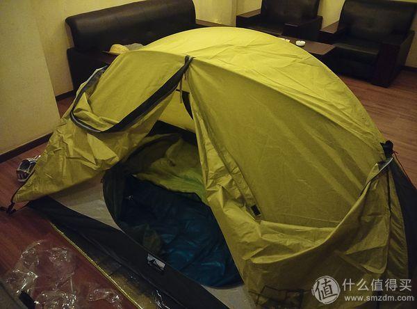 重量达到2.6KG的普通双人帐篷