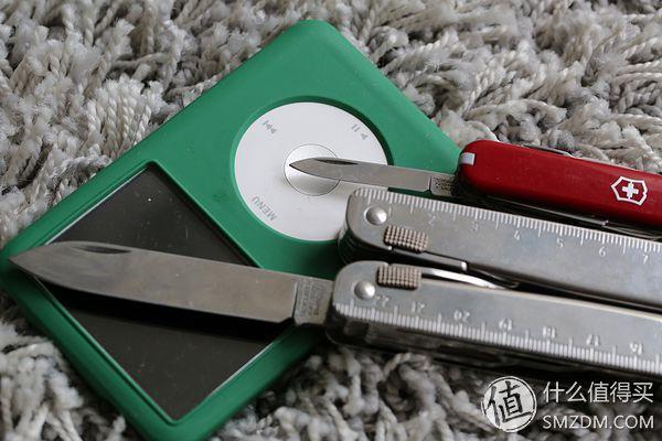 晒晒我的EDC:Fenix LD12手电&维氏MiniChamp 0.6385 军刀