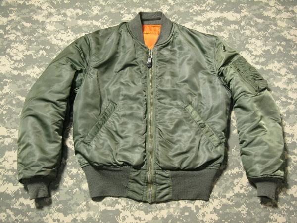 可塑性极强的军服:MA-1飞行夹克
