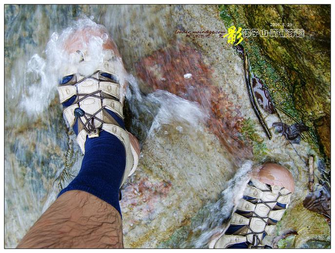 拥抱夏天–KEEN NEWPORT HEMP 环保双栖溯溪鞋