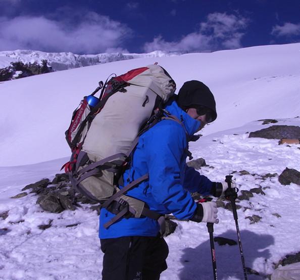 碳杖行囊轻胜马—MBC碳纤维登山杖体验报告