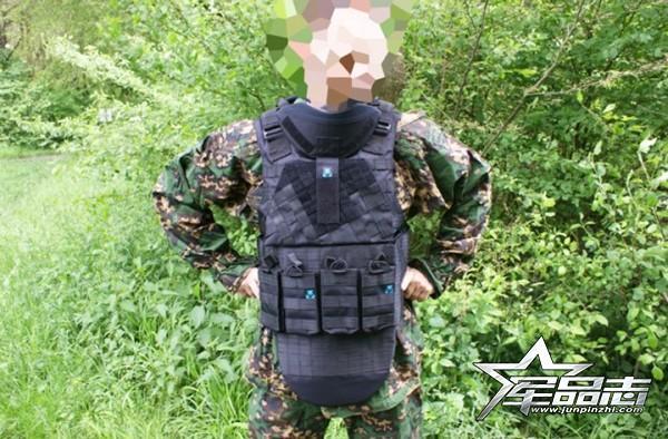 为AK枪系打造:Defender 2重型战术背心
