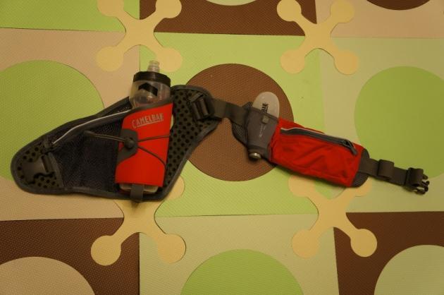 中距离跑步必备:Camelbak Delaney Plus水壶腰包
