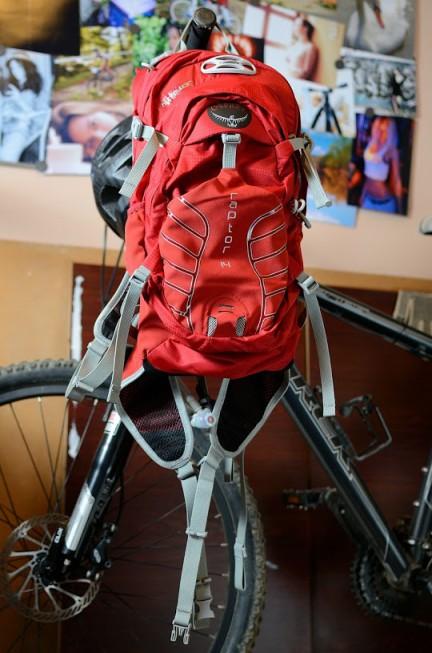 专业的山地车玩家设计的专业骑行背包:osprey raptor