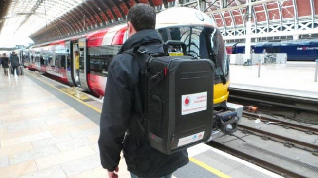 灾区必备:Vodafone 展示便携式移动基站背包