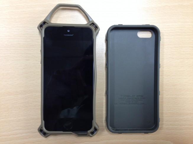 MAGPUL与STRIKE IPHONE5战术手机套实用对比