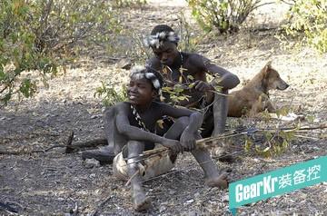 最后一个狩猎采集为生的部落 已传承数万年
