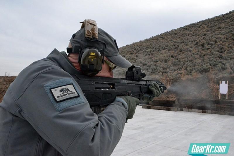 实测Desert Tech改进型MDR步枪