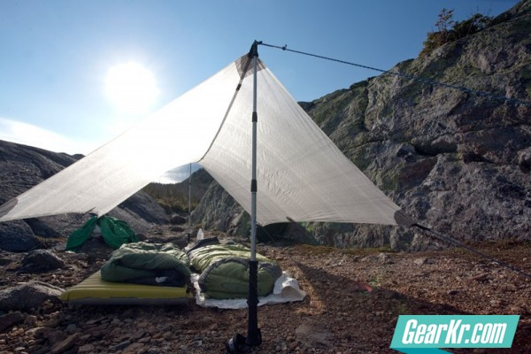 G4OUT.COM-TEN-REASON-02-Pitching-a-tent-with-trekking-poles-saves-you-the-weight-1-1.5-lbs-of-dedicated-tent-poles.