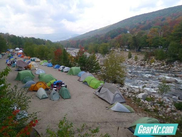 01-A-mix-of-backpacking-and-car-camping-tents-at-NE2Cs-2010-Noreaster