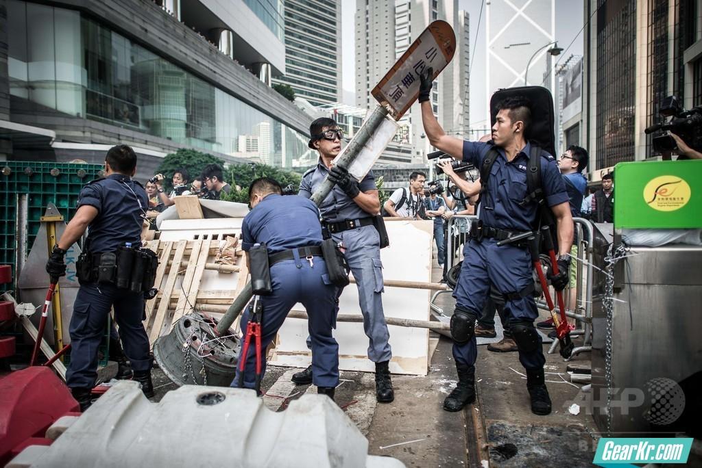"""从""""占中""""看香港警方的警务行动"""