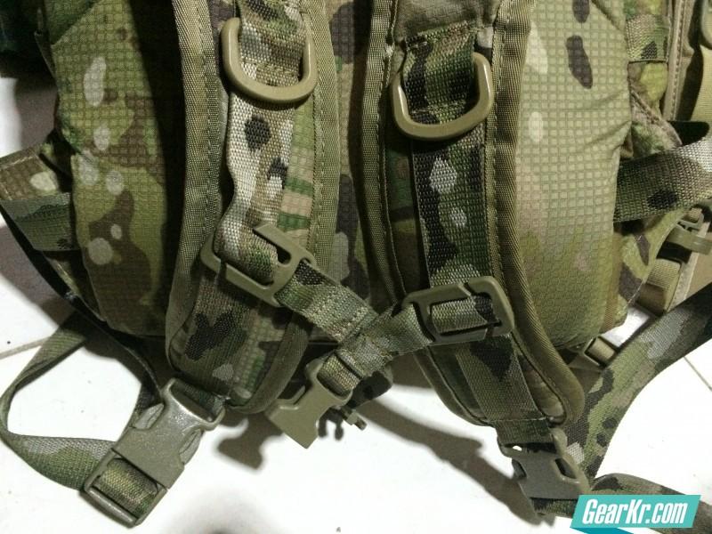 四款军用背包的红外特征及插扣材质