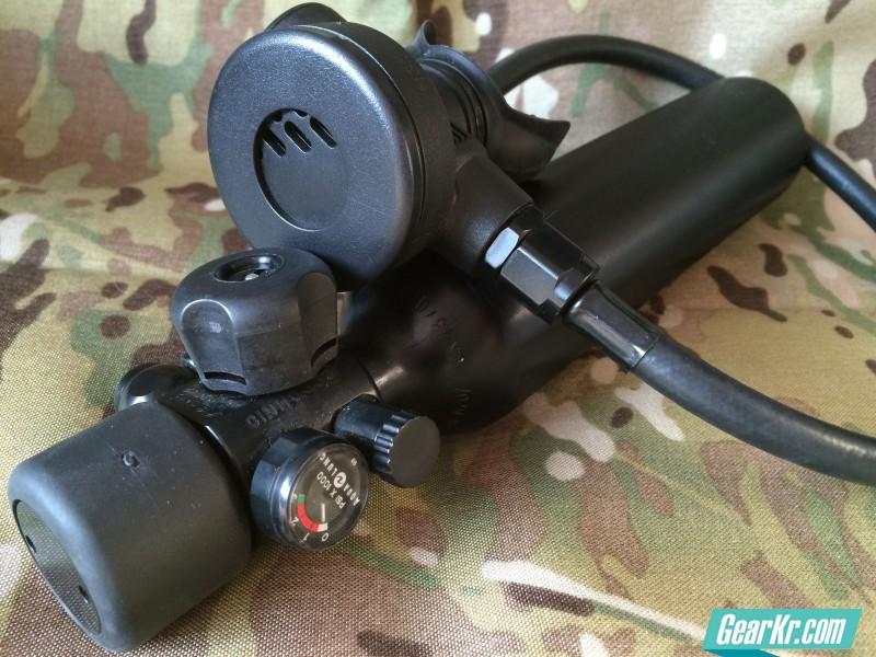 美帝水上作业的续命神器—Aqua Lung SEA MK 2 紧急呼吸器