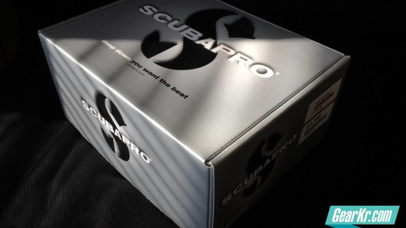 SCUBAPRO G260战术版二级头与ATOMIC B2钛合金二级头简单横向对比