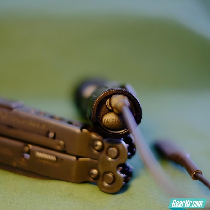 电源线插入未结合状态。