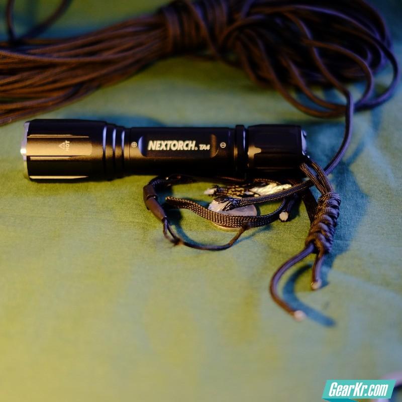 最后我用伞绳自行编的手腕绳,实用为主。