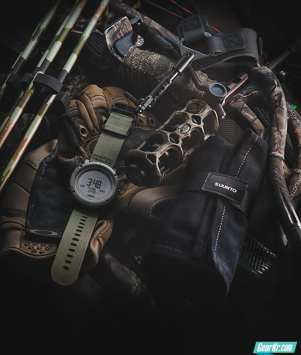 """延续传统探险家精神——SUUNTO Essential""""本源""""系列探险腕表"""