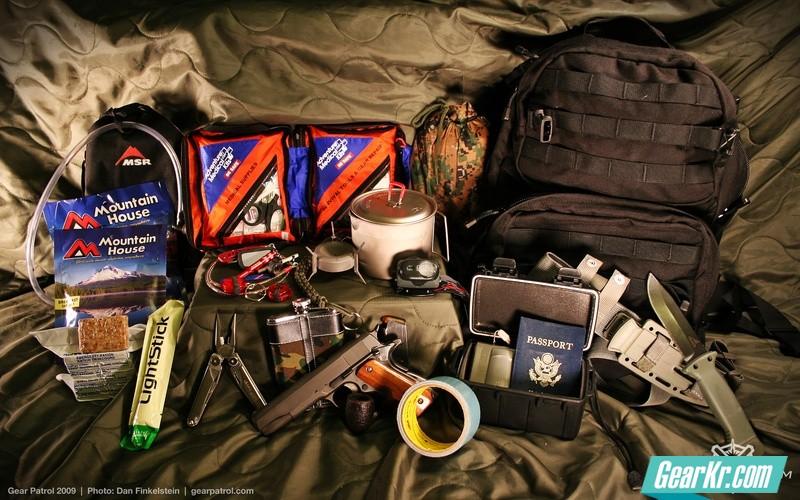ultimate-survival-kit-gear-patrol-wallpaper