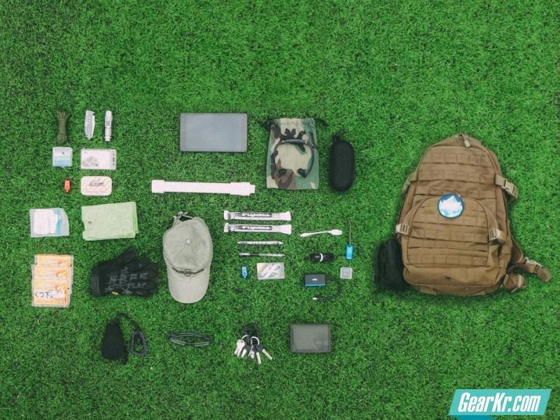 #EDC大晒#死美工的背包里有什么?