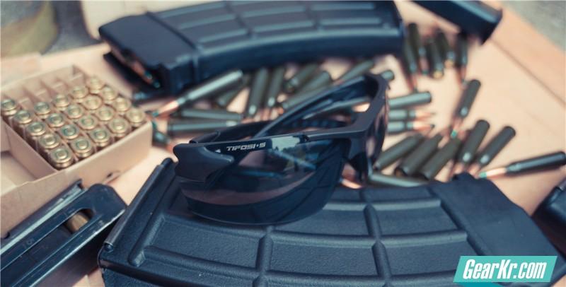 镜光向日金鳞开——TIFOSI·Z87.1 Jet FC战术护目镜测评