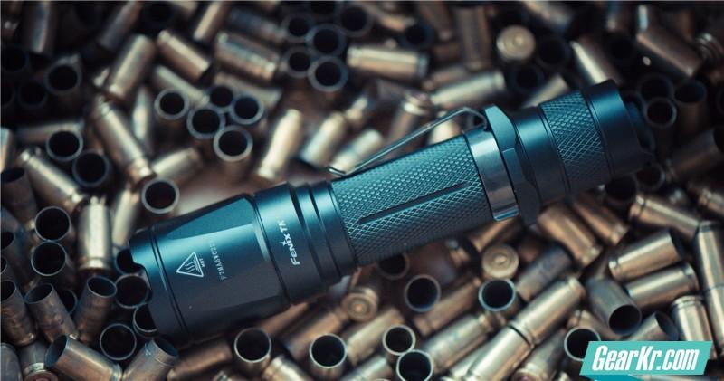 撕破黑暗的利器——Fenix TK16战术手电筒简评