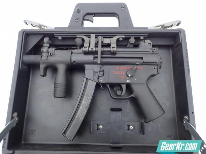 """H&K MP5K""""盒子炮""""组件快速测评:一件火力强大的行李"""