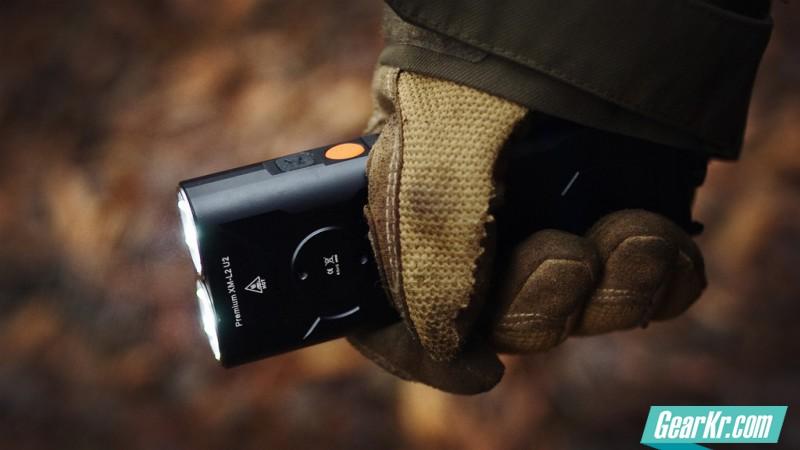直充并排双锂小杀器——KLARUS RS30 试用评测