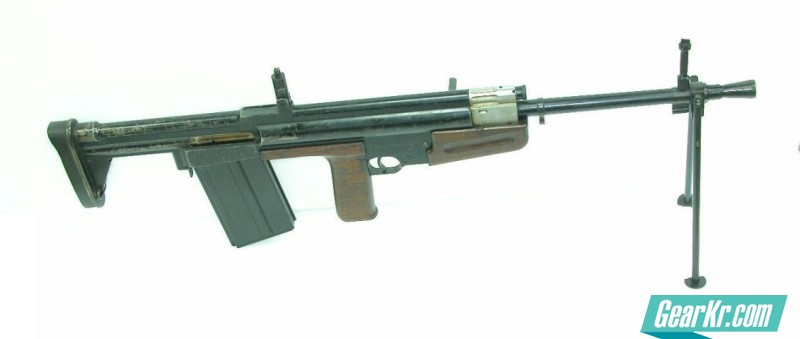 The 7.92x57mm EM-1 automatic rifle was developed in Great Britain by Polish refugee Roman Korsak in 1944