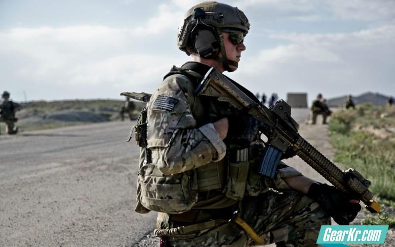 装逼有学问——太阳镜是如何提高战术优势的