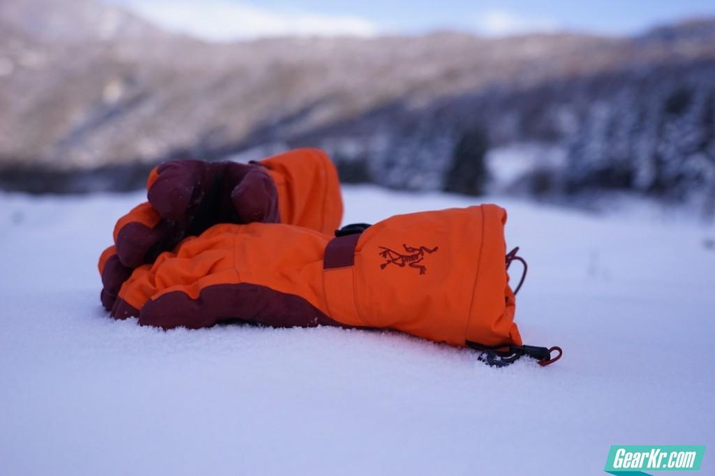 极限的选择:Arc'teryx始祖鸟Lithic滑雪手套评测