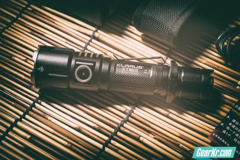 再次进化的战术电筒 — KLARUS XT11s