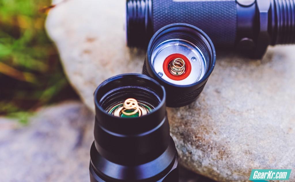 双镀金弹簧保证在高强度使用中的稳定性