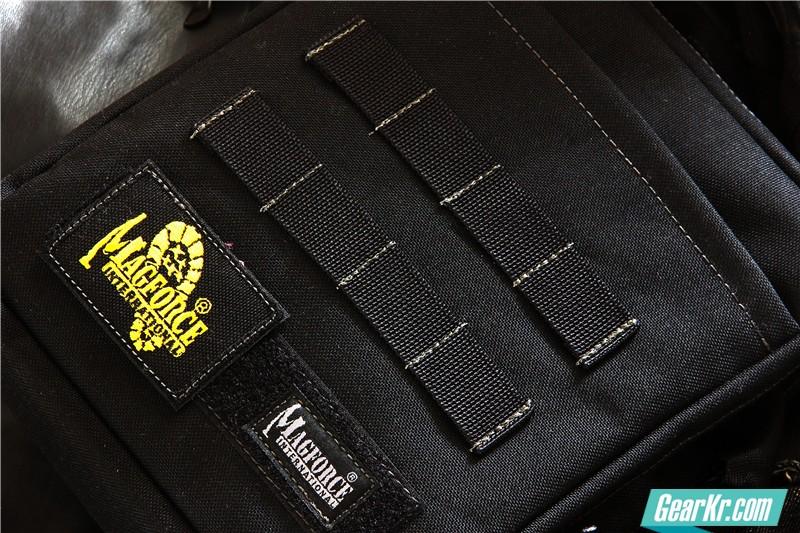 MAGFORCE轻行者IPAD直式电脑保护袋3