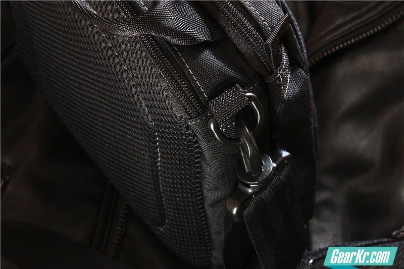 MAGFORCE轻行者IPAD直式电脑保护袋4