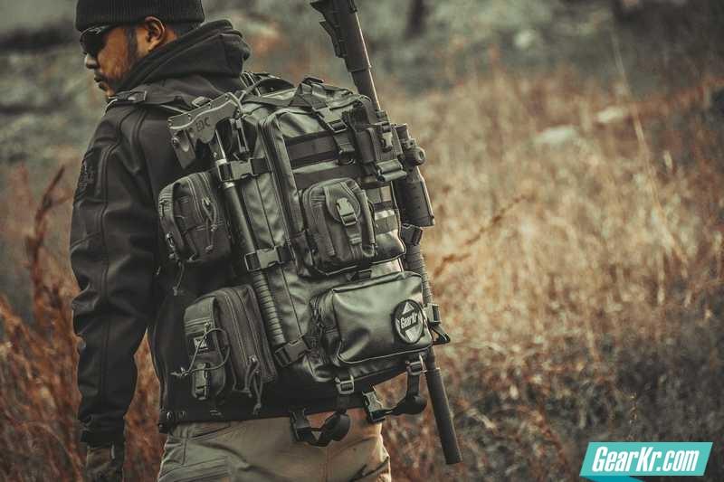 战术极简主义——MAGFORCE ENGLE(猎鹰)双肩背包评测
