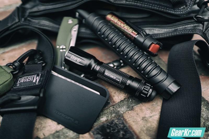 纳丽德TA30——可以战术的战术手电