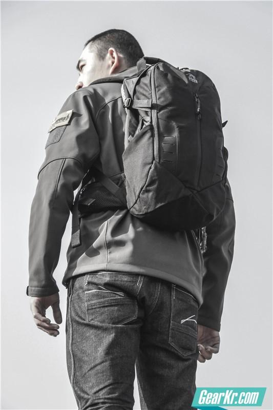 塔虎22L战术背包40