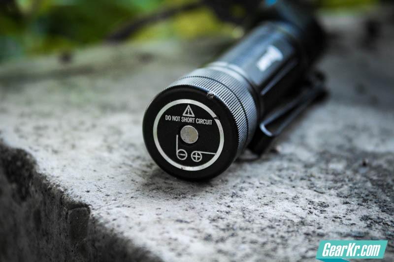 掌心妲己——OLIGHT H2R NOVA灵狐多用途可充电手电测评-23