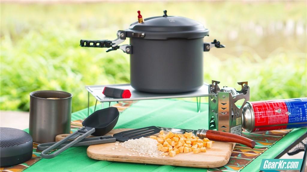 """用这个高压锅在户外做料理,我的厨艺""""快""""赶上小当家了——Snowline户外超轻高压锅"""