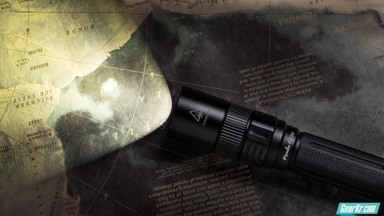 ( ?)浅一深-Fenix FD20 2AA变焦电筒