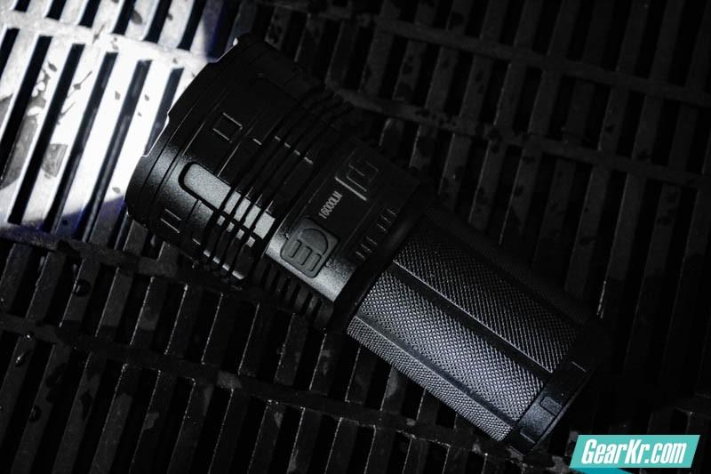 暗夜圣杯——IMALENT艾美能特DT70户外强光手电测评-40