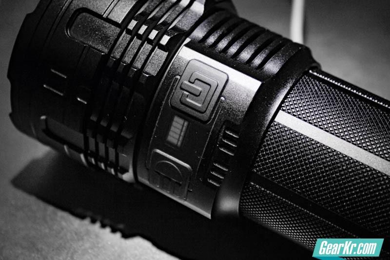 暗夜圣杯——IMALENT艾美能特DT70户外强光手电测评-50