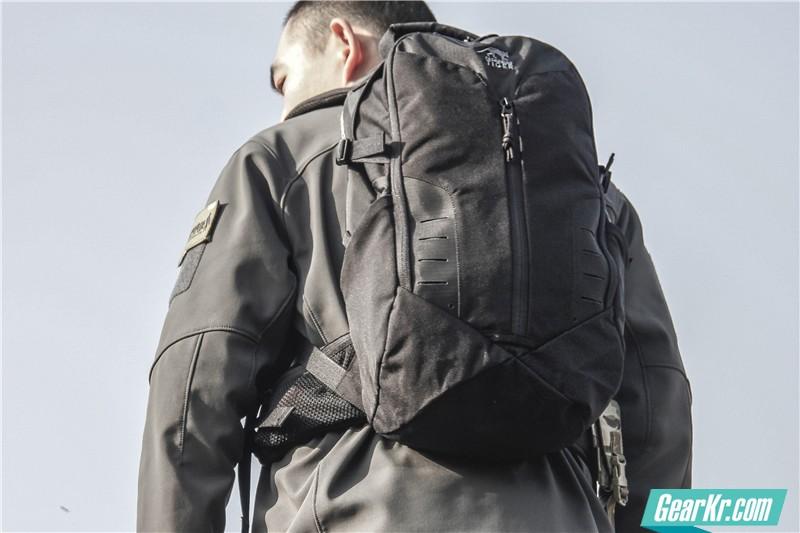 塔虎22L战术背包35