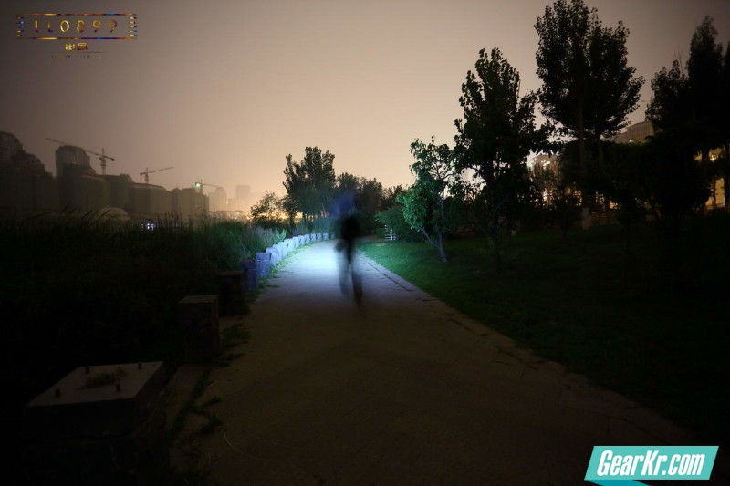 轻量化夜跑头灯OLIGHT HS2多图夜射测试LL0899出品