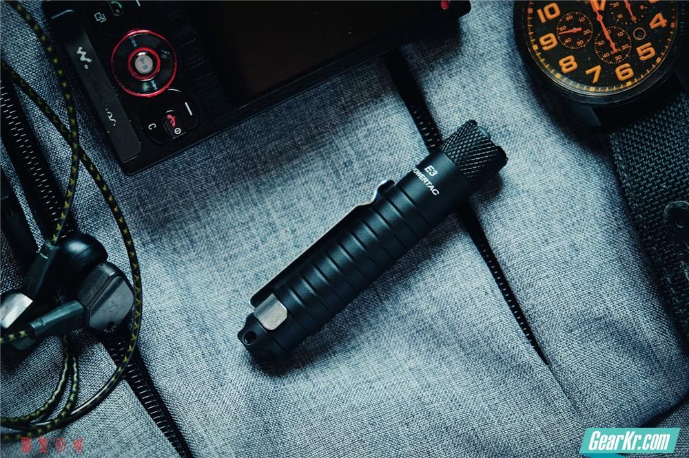小巧便携,实用之选——POWERTAC E3 AAA笔形手电