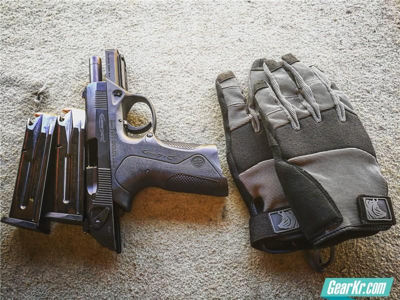 能给你提供玄学体验的手套——PIG全敏捷战术(FDT)Alpha手套使用测评