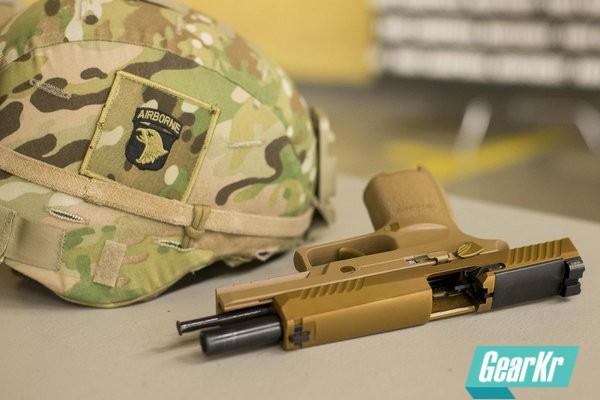 【新闻翻译】美国陆军的火力组长们将会首先装备新制式手枪