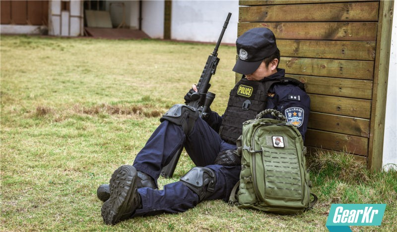 教官说它战术,妹子夸它时尚,一个背上它就会爱上它的战术背包——Direct Action DUST MKII 战术背包体验