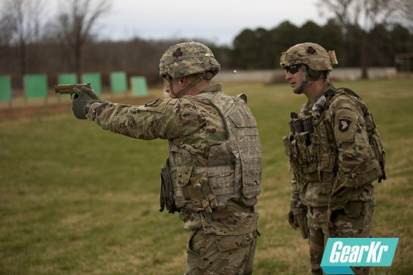 【美国陆军时报】陆军正努力解决国防部报告中提到的新手枪的问题