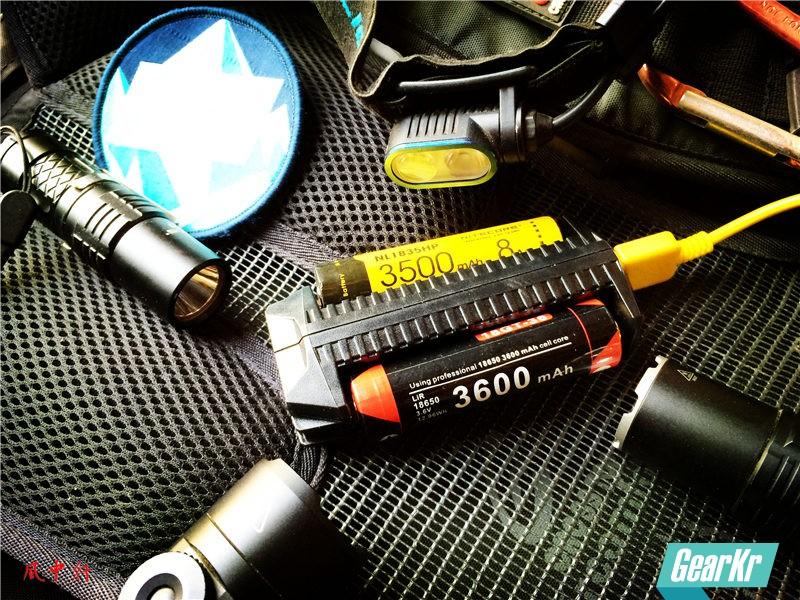 一充多用的充电神器 — NTECORE奈特科尔F2智能双槽充电器